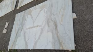 rivestimento marmo calacatta oro (1)